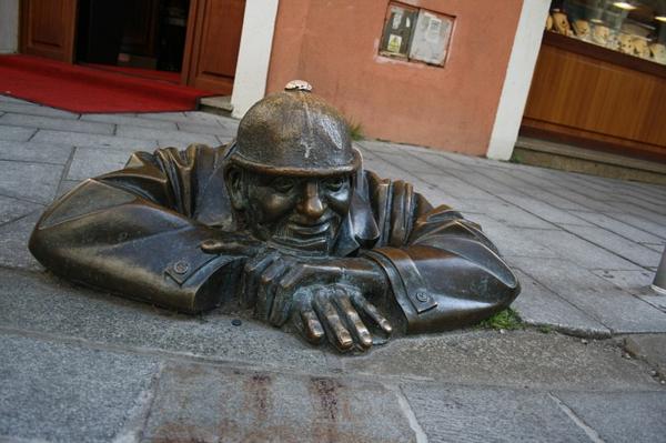 künstler-skulpturen-Bratislava