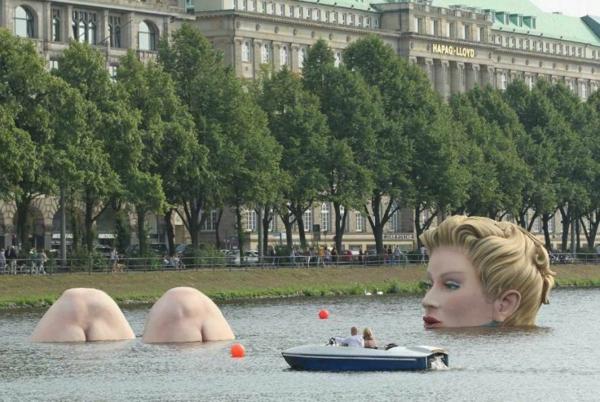 künstler-skulpturen-Die-Badende-Statue