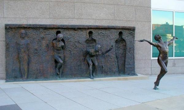 künstler-skulpturen-zenos frudakis