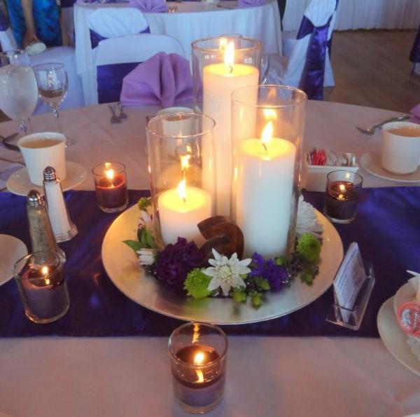 kerzen-sehr-schön-herbstdeko-basteln- viele kerzen auf dem tisch