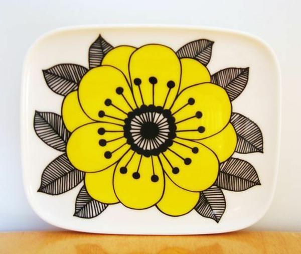 kindergeschirr-aus-porzellan-super-schöner-teller- mit einer gelben blume