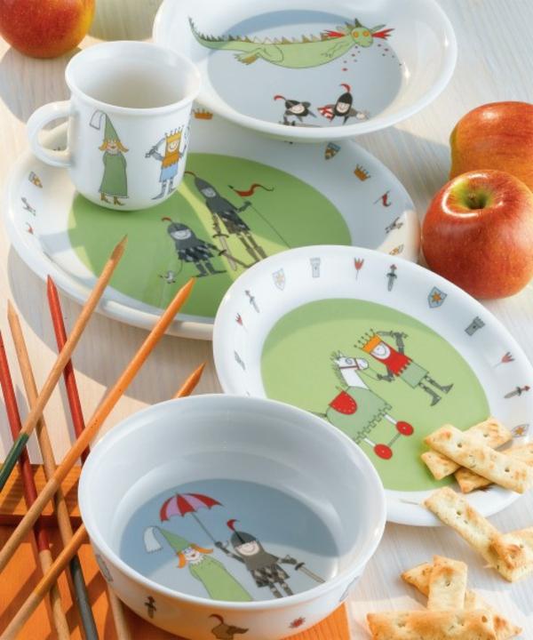 kindergeschirr-porzellan-set- äpfel daneben