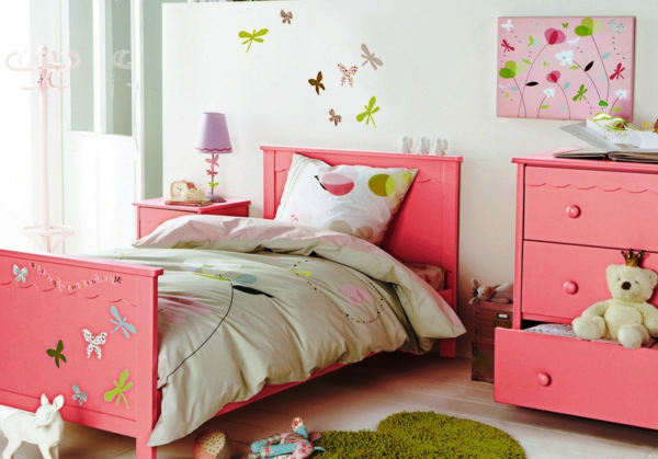 kinderzimmer-bettwäsche-mit-ornamenten- rosige farbschemen