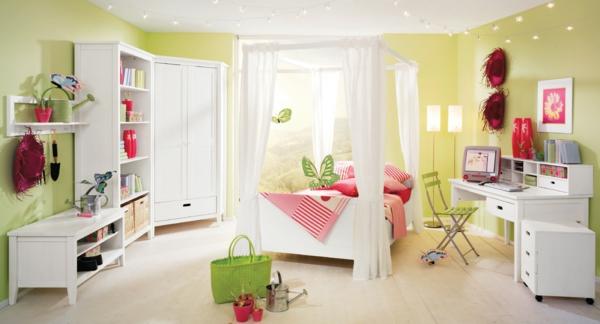 kinderzimmer-wandfarbe-gelb-und-hellgrün-weiße-möbel
