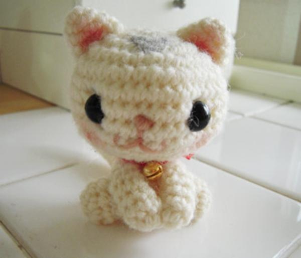 Schlafzimmer schlafzimmer rosa grün : süße-kleine-weiße-katze-hello-kitty-kleine-tiere-häkeln