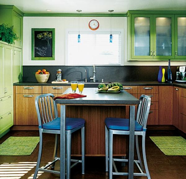 kompakte-küchenlösungen-für-kleine-küchen-in-grün