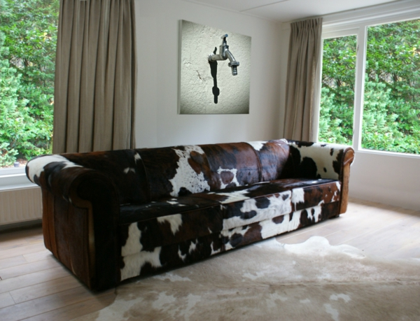 kuhfell-hocker-sofa