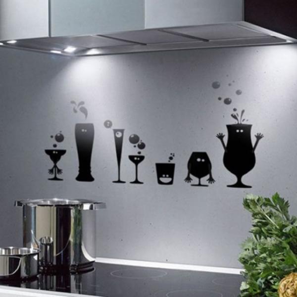 lustige-Küchenwandgestaltung-mit-schwarzen-gemälde
