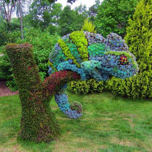 lustige-gartenfiguren-chameleon-topiary-kunst