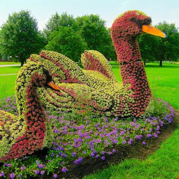 lustige-gartenfiguren-montreal-canada-schwan