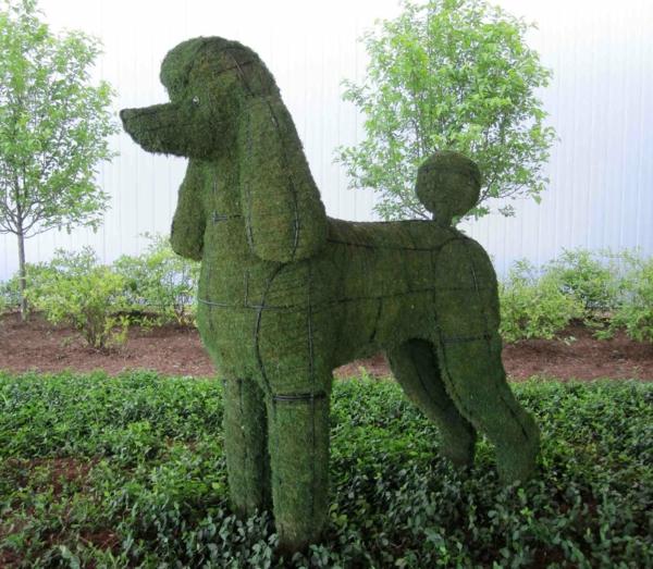 lustige-gartenfiguren-poodle-hund