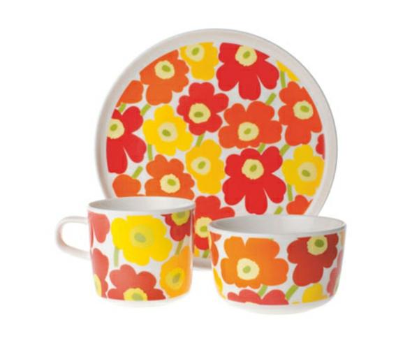 marimekko-kindergeschirr-aus-porzellan- rote und orange farben