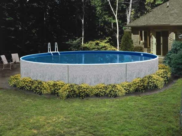 mobiler-pool-mit-runder-form-im hinterhof des hauses