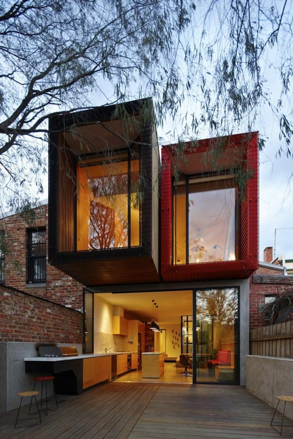 moderne-fassade-für-häuser-auf-zwei-etagen- super elegante glaswände