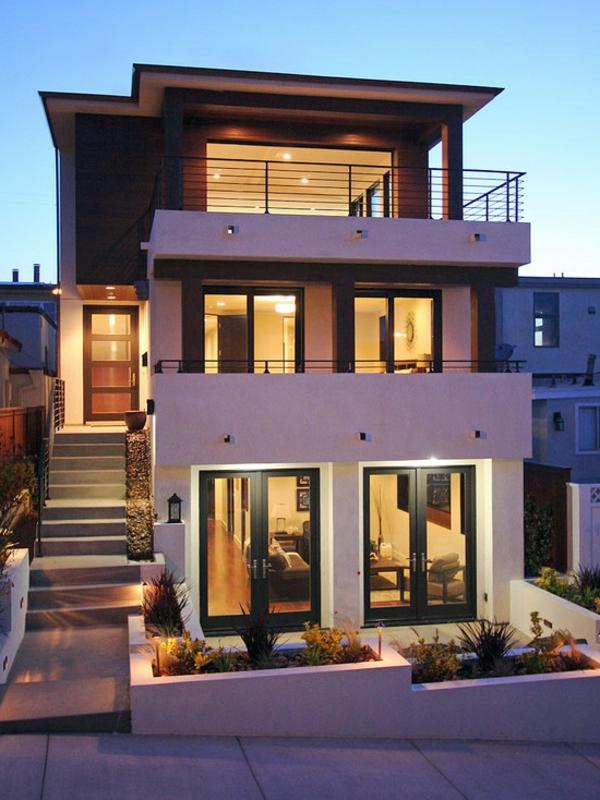 moderne-fassade-für-häuser-lila-nuancen- viele etagen