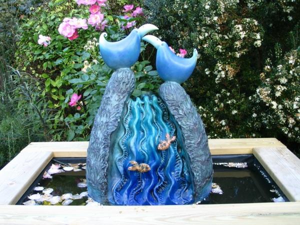 moderne-gartenskulpturen-Blaue-vogel-Babbling-Brook