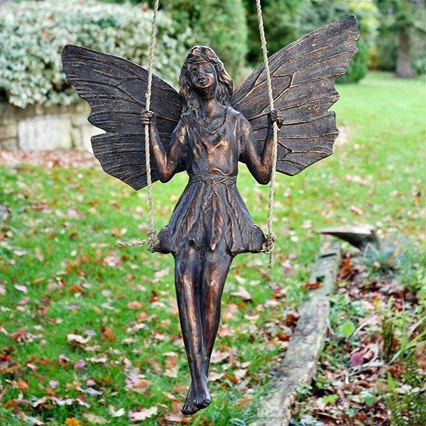 moderne-gartenskulpturen-fee-schaukel