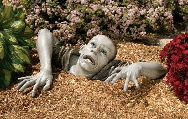 moderne-gartenskulpturen-zombie