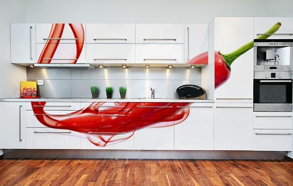 moderne-wandgestaltung-mit-paprika-in-der-Küche