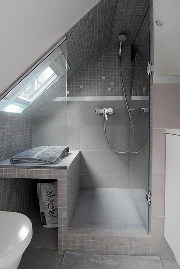 Modernes Bad Unter Dem Dach Dusche