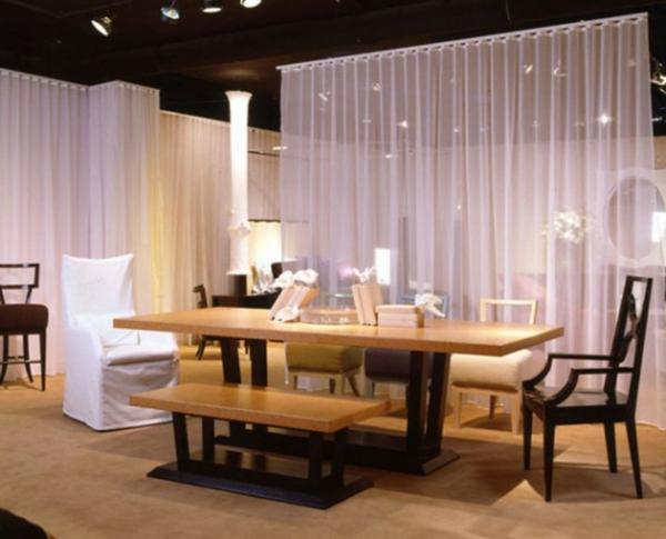 modernes-esszimmer-mit-originellen durchsichtige gardinen