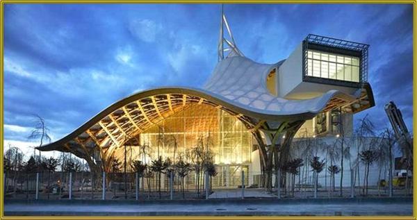 Das museum als moderne architektur kurze bersicht for Architektur moderne
