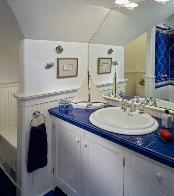 nautisches-design-badezimmer-blau-weiß