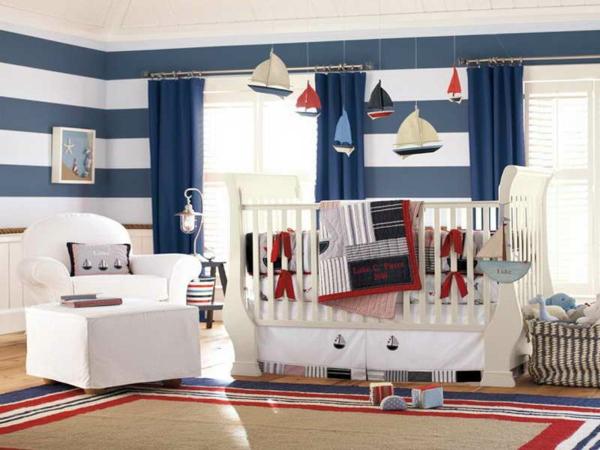 nautisches-design-blau-weiß