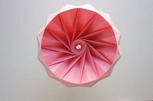 origami-lampenschirm-von-unten-schick-und-rosa