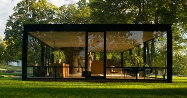 originelles-beispiel-für-modernes-glashaus- umgebung von natur
