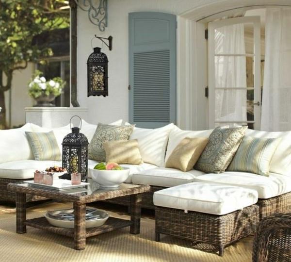 outdoor-rattanmöbel-sofa-tisch
