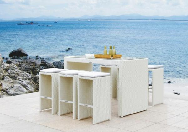 outdoor-rattanmöbel-tisch-und-stühle13