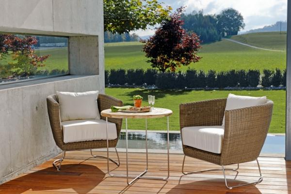 outdoor-rattanmöbel-tisch-und-stühle6