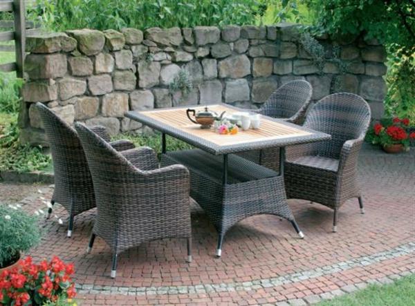 outdoor-rattanmöbel-tisch-und-stühle8