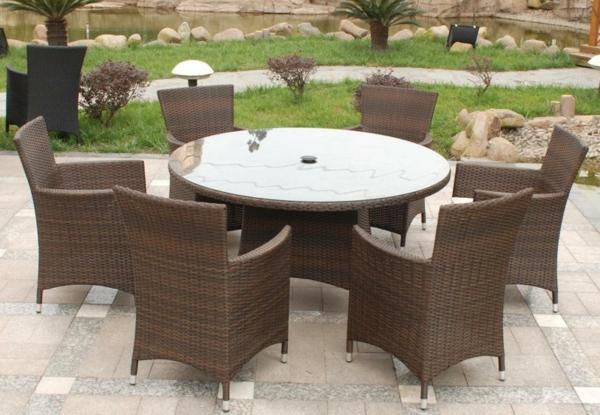 outdoor-rattanmöbel-tisch-und-stühle9