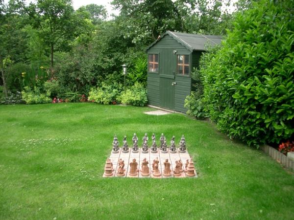 outdoor-schach-back-garden2