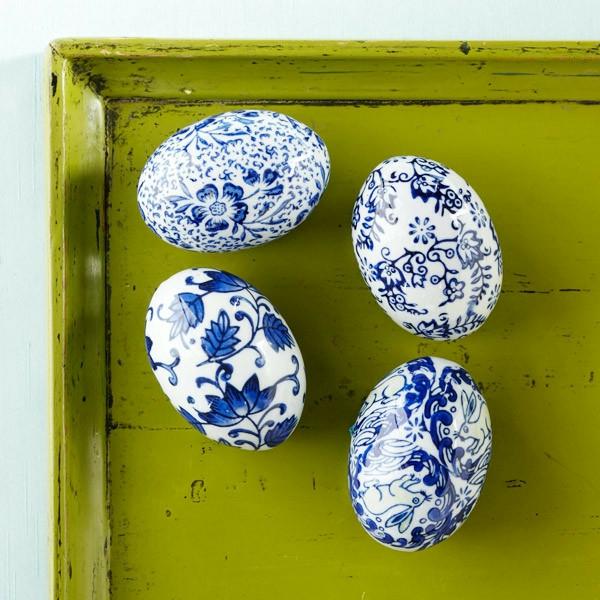 porzellan-in-blau-und-weiß-eier-dekoration