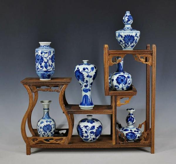porzellan-in-blau-und-weiß-stnder