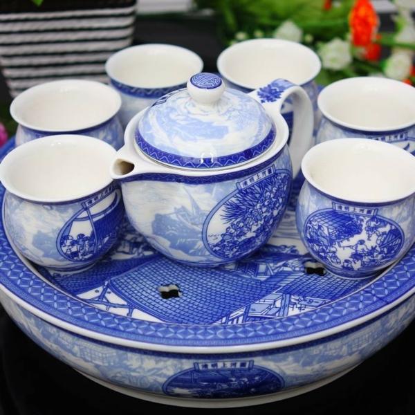 porzellan-in-blau-und-weiß-tee-service