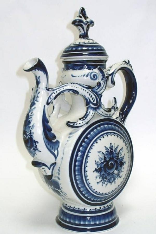 porzellan-in-blau-und-weiß-teekrug