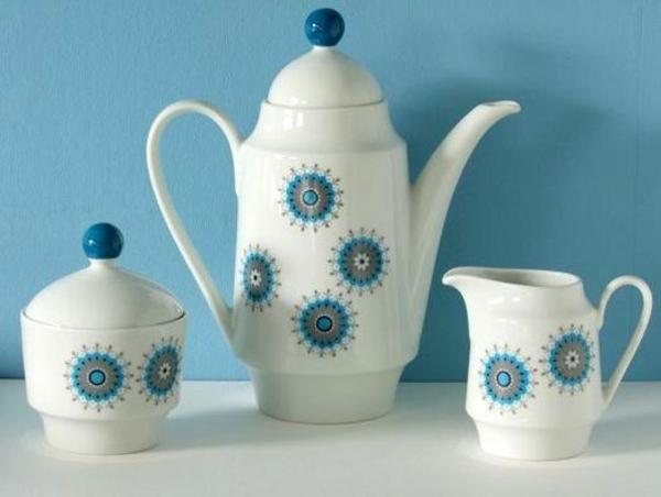 porzellan-in-blau-und-weiß-teeservice