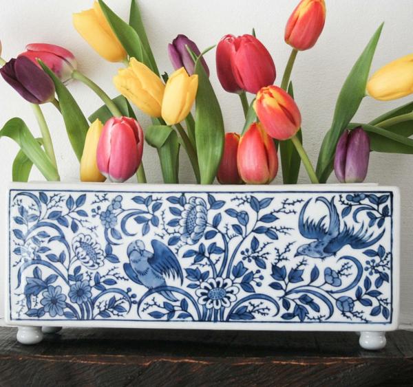 porzellan-in-blau-und-weiß-vase