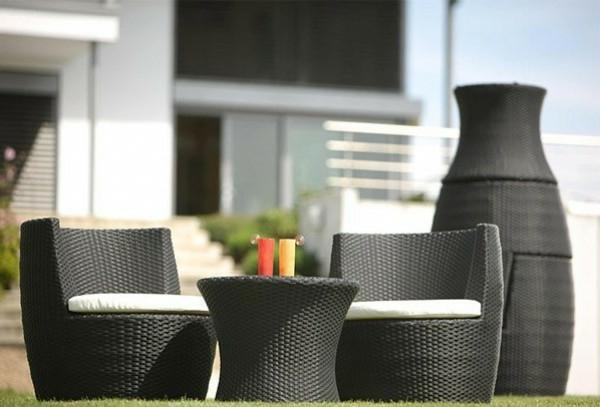 rattan-vasen-und-möbel-set-aus-rattan- moderne gestaltung