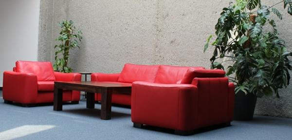 rote-farbe-rotes_sofa