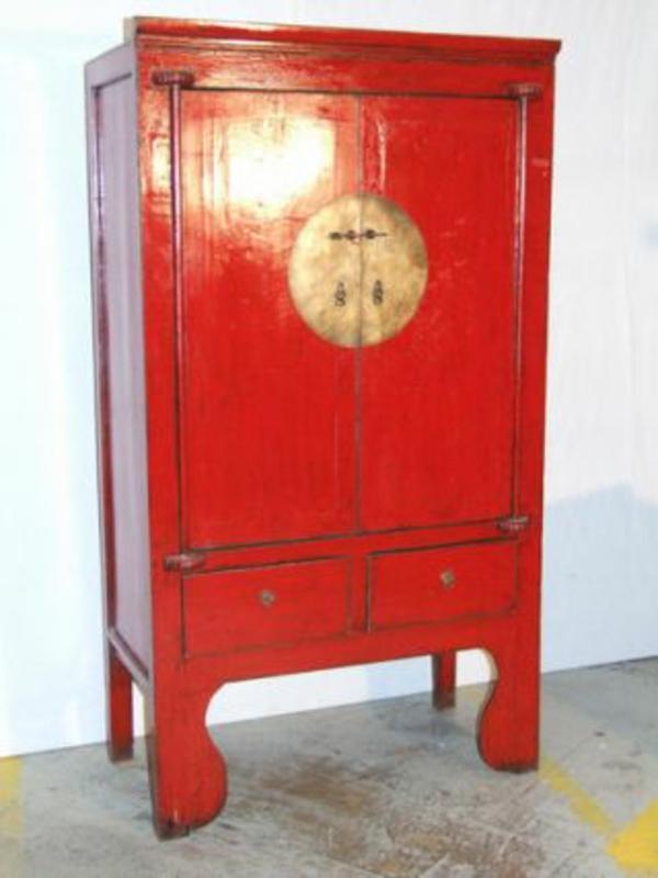 roter-schrank-chinesische-möbel- sehr schönes modell