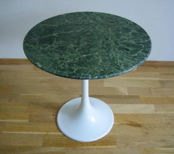 runder-tisch-grüner-marmor-sehr modern