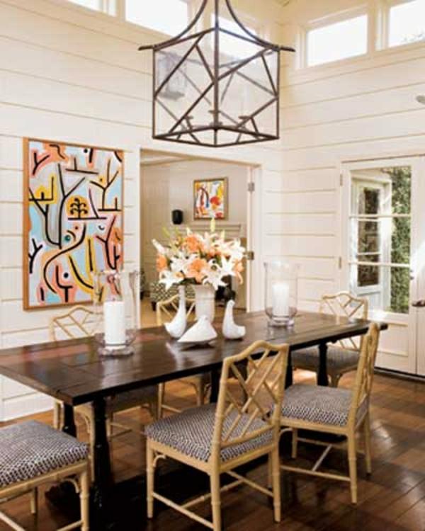 rustikale-Küchenwandgestaltung-mit-großem-Bild