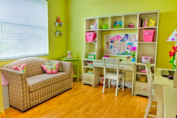 Farbideen für Kinderzimmer ausgewählt haben, lassen Sie Ihre Kinder