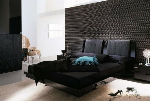 schöne-schwarze-bettwäsche- moderne-gestaltung- mit einer extravaganten wand