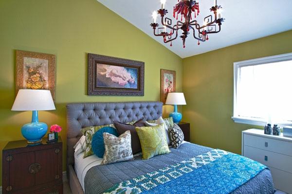 schöne-wandfarbe-fürs-schlafzimmer- in einer dachwohnung